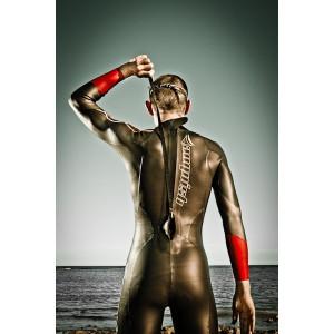 Så här tar du på dig en simvåtdräkt
